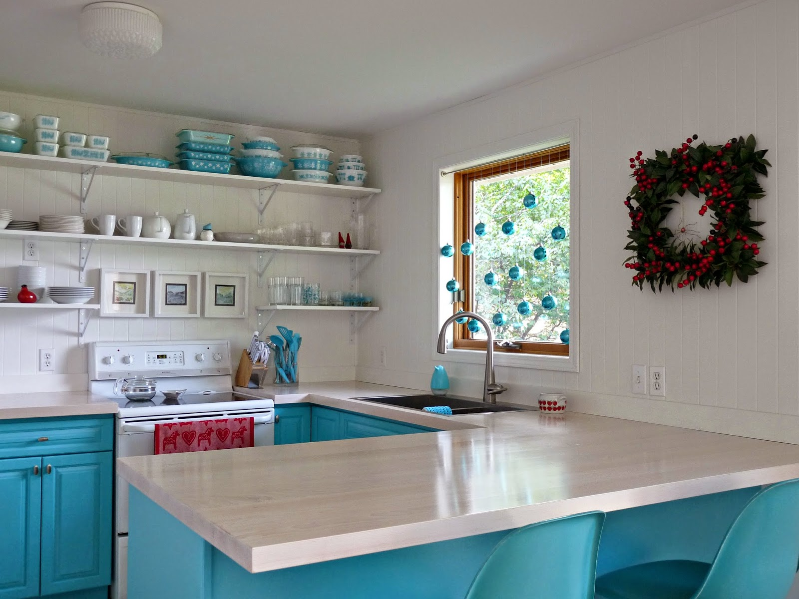 Red and aqua vintage kitchen