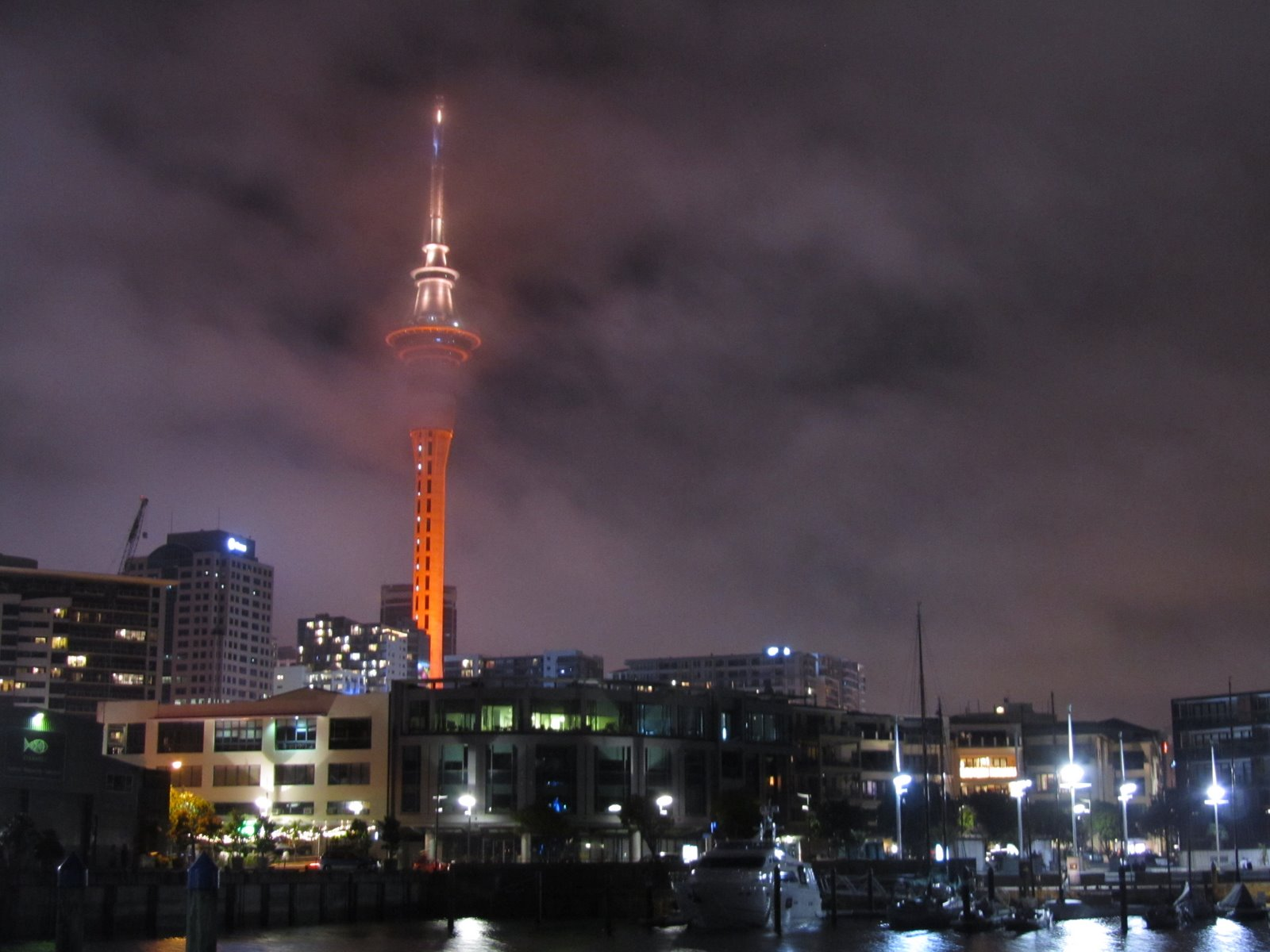 magi and sam new years 2012 auckland sky tower people. Black Bedroom Furniture Sets. Home Design Ideas