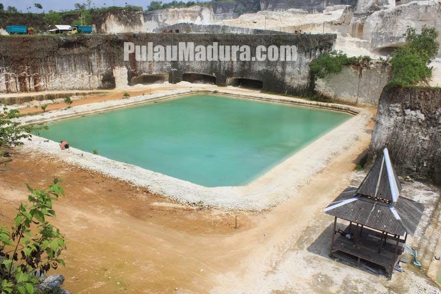 Kolam Renang Alami Desa Jaddih Bangkalan