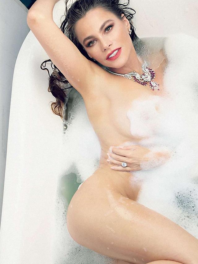 Sofía Vergara en topless para Vanity Fair - PAREJAS DISPAREJAS - FARÁNDULA INTERNACIONAL