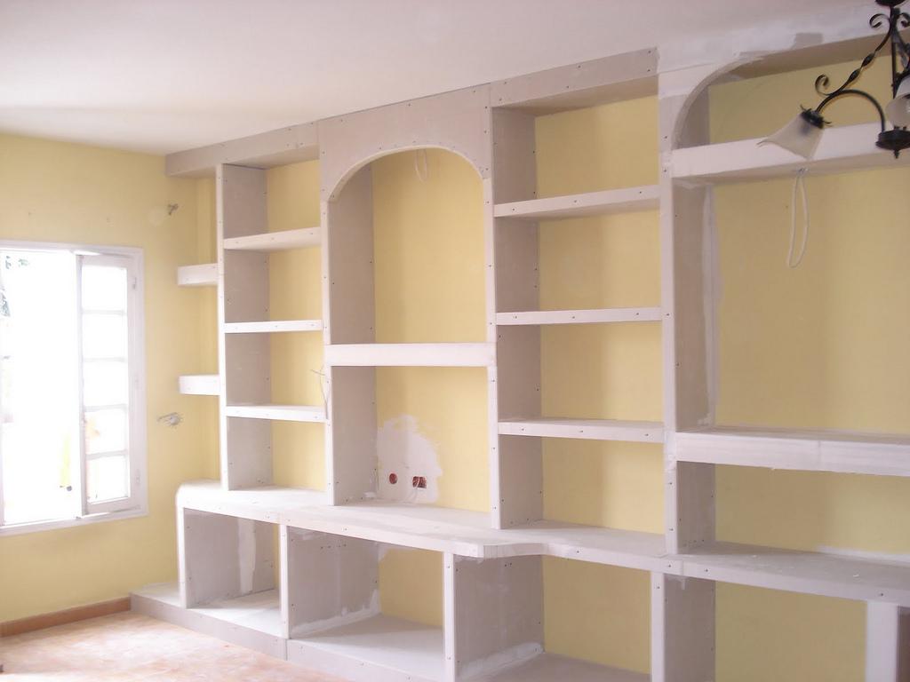 Yesos y escayolas h casas armario de escayola - Muebles pladur para salon ...