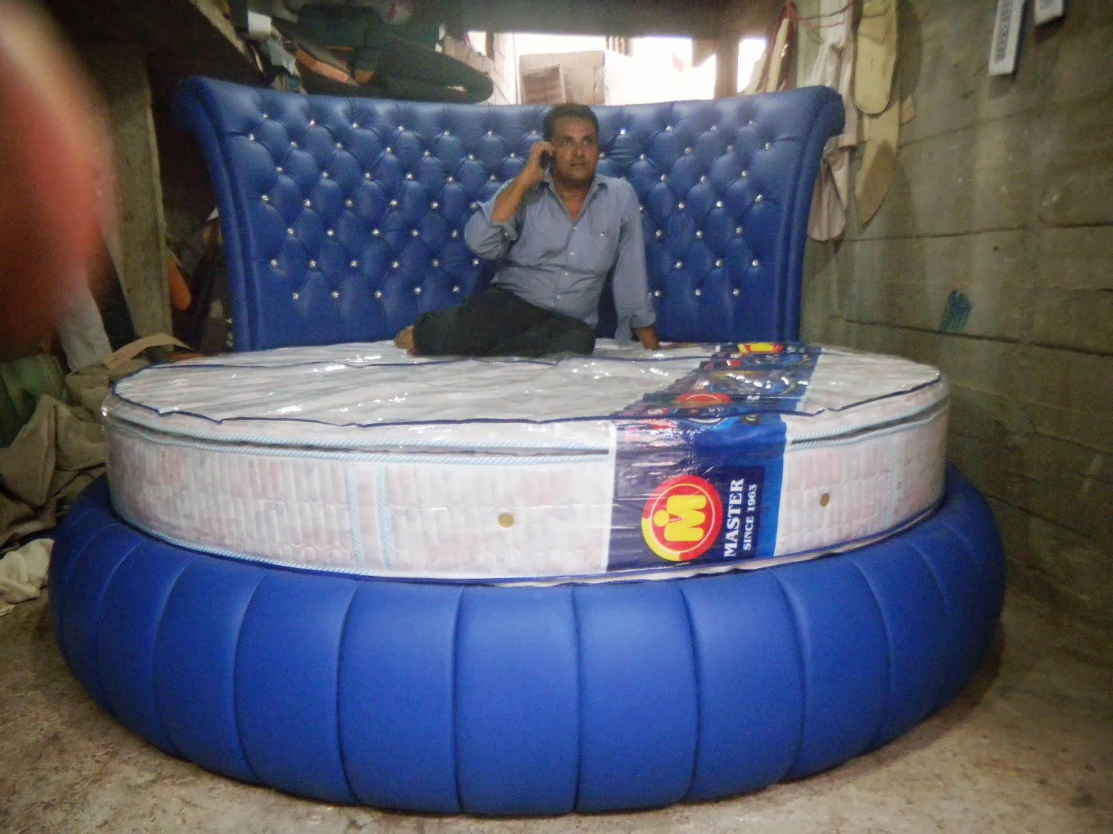 Pakistan S Leading Grand Wood Furniture Manufacturer And Exporter Offers  Round Bed For Your Prestigious HomeRound Beds   clubdeases com. Pakistan Bedroom Furniture Manufacturers. Home Design Ideas