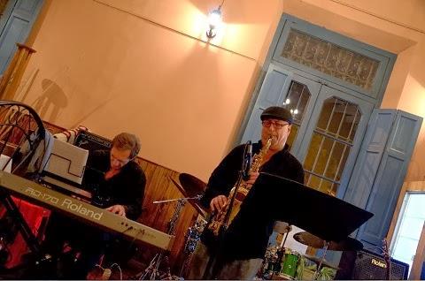 Piano & Saxo. Shows