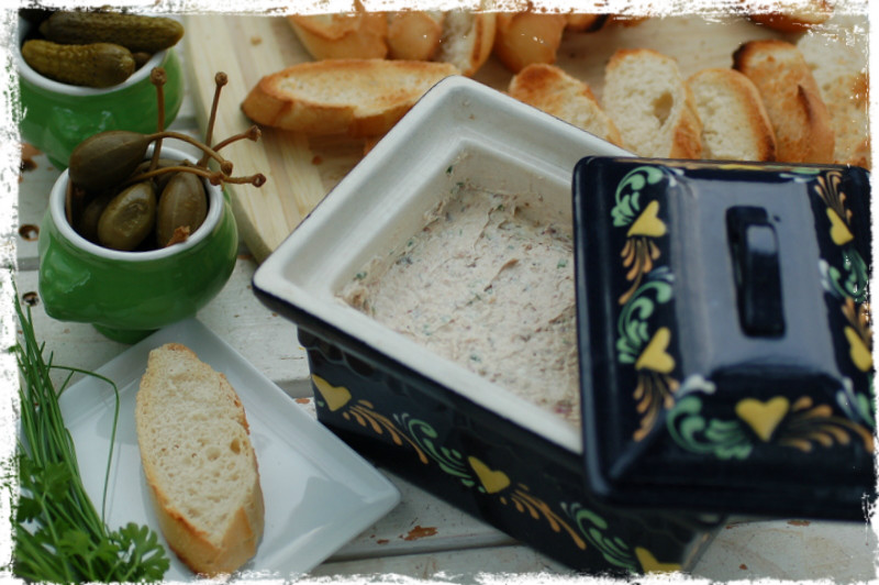 sardine rillettes or les rillettes de sardine is a popular appetizer ...