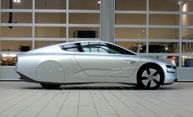 Volkswagen XL1 side view