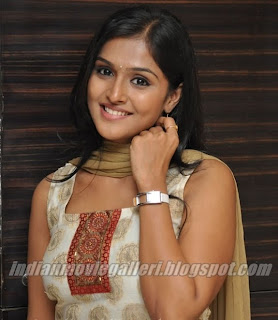 Ramya Nambeesan Actress Aattanayagan Tamil movie