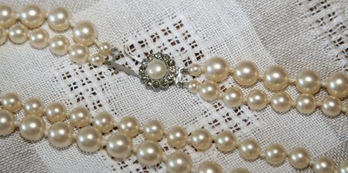 pärlhalsband / pearls