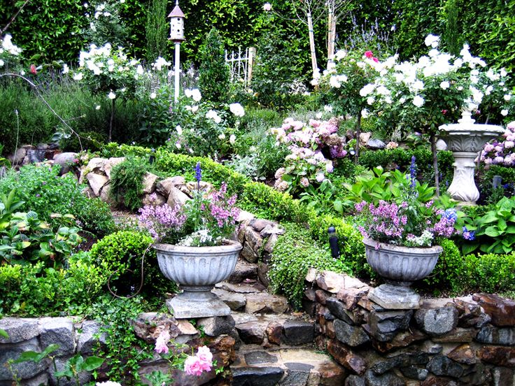 Ideas for an enticing cottage garden design 2016 living for Cottage garden designs photos