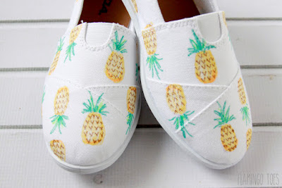 Easy Painted Canvas Shoes, shared by Flamingo Toes