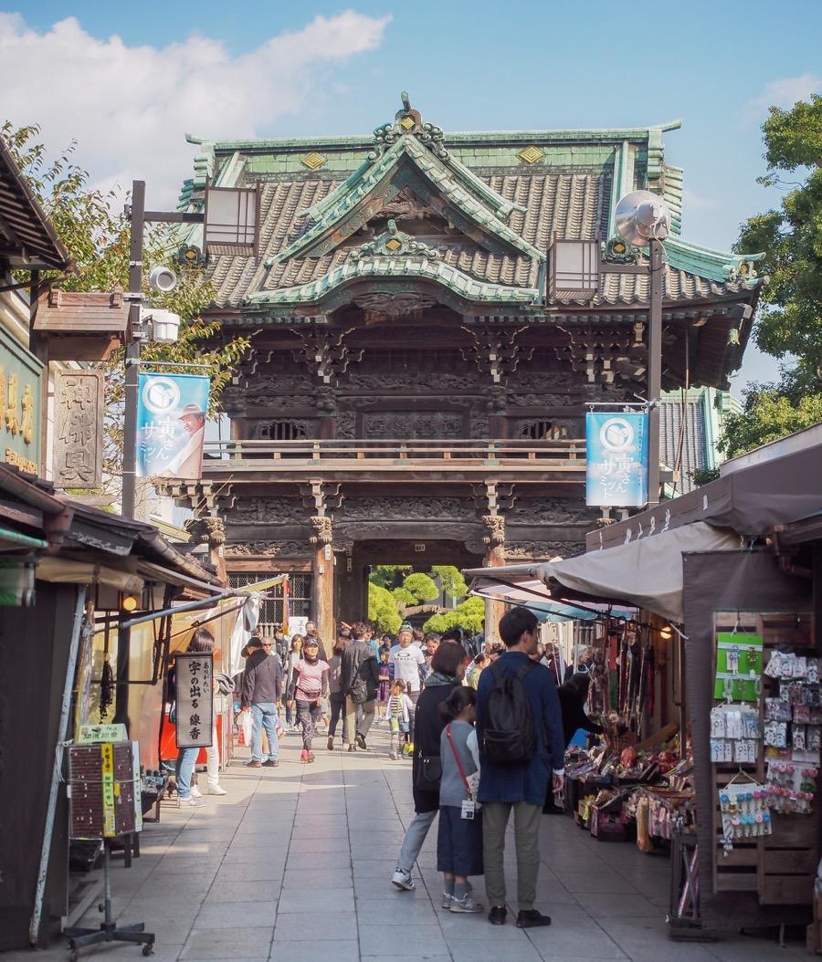 Japan Shibamata Taishakuten A carved Buddhist heaven in Tokyo