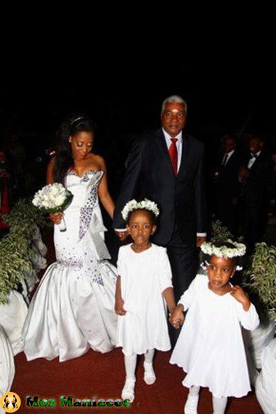 fotos do casamento da dama do bling entrada