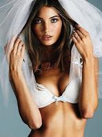 Victoria's Secret lança lingerie para noivas