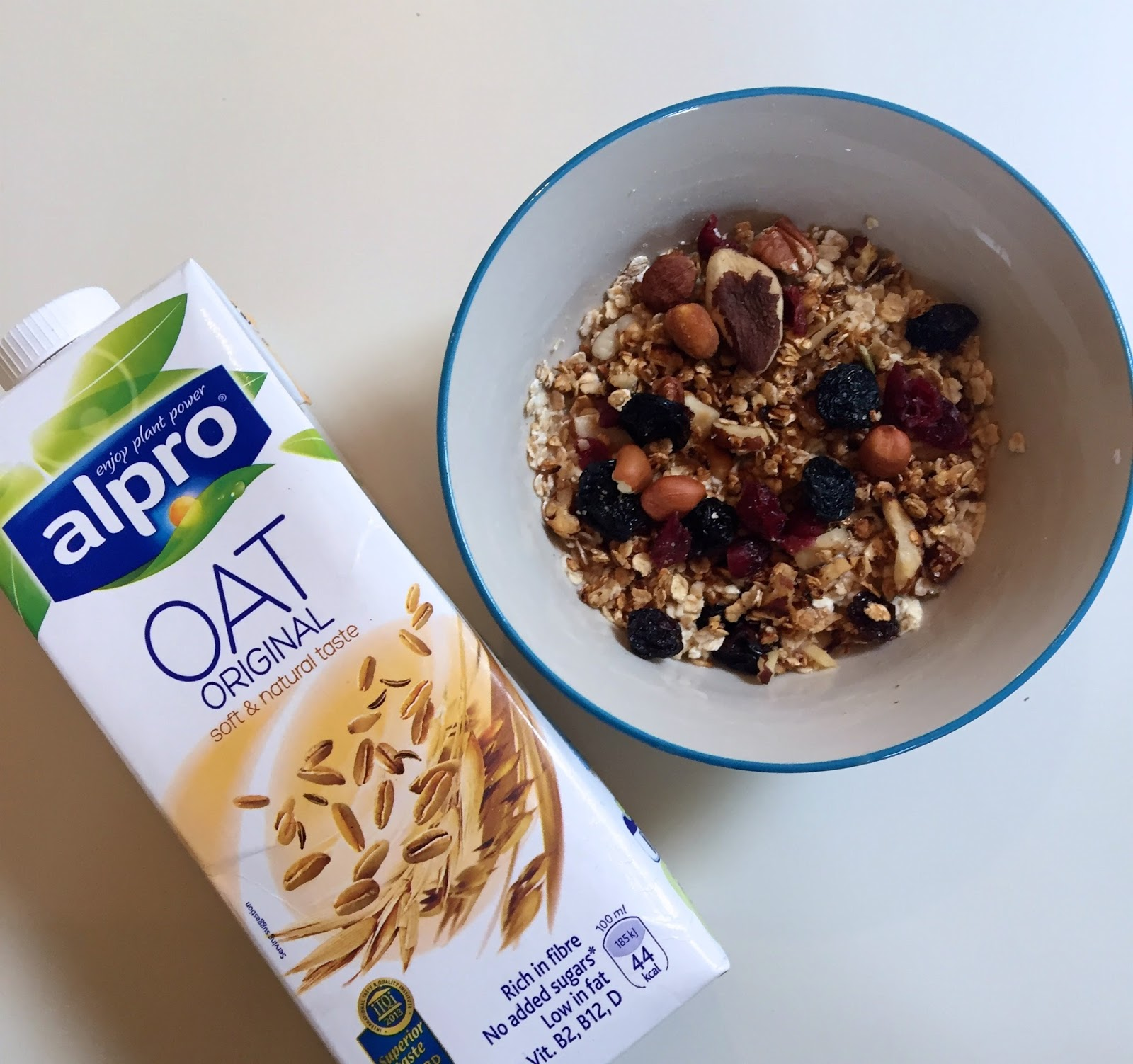 Alpro oat drink not just for breakfast the fashionista observer if you find yourself needing to make breakfast for someone these 2 recipes are the perfect thing to make quick and easy what more can you want ccuart Image collections