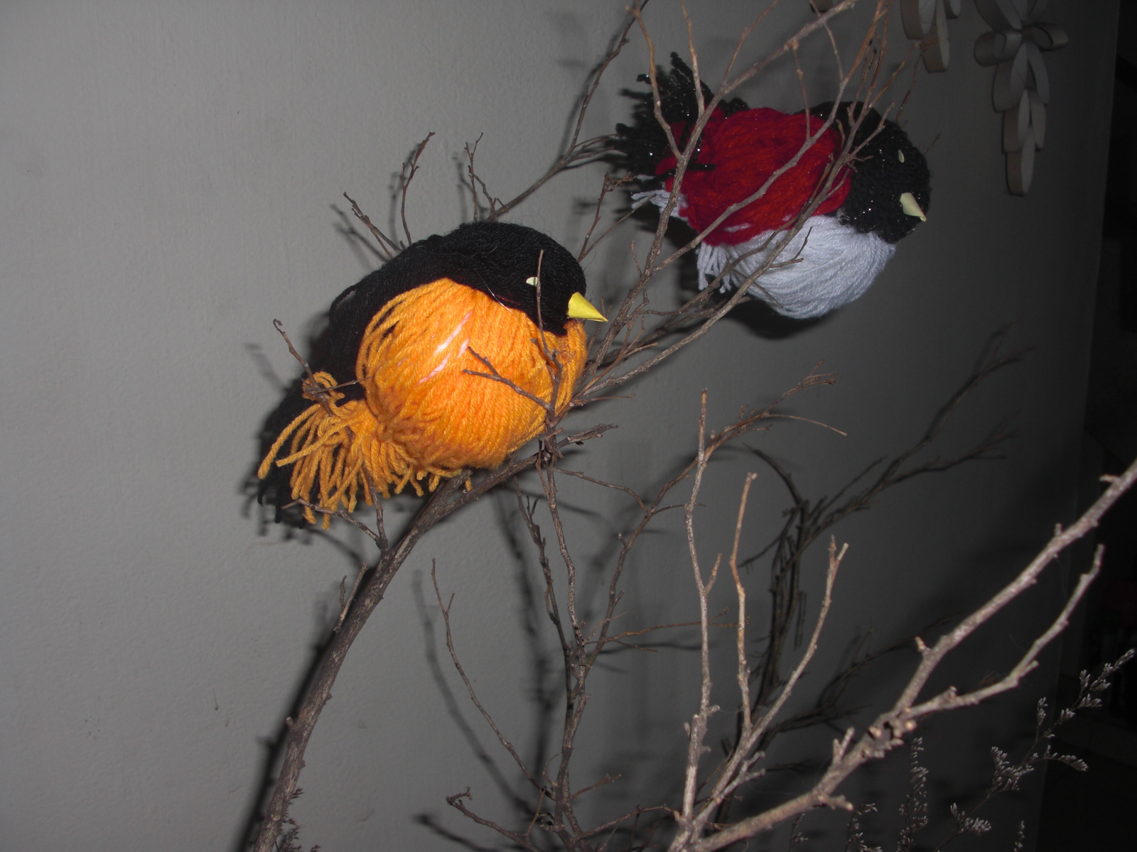 Creative art and craft birds with woollen thread for Craft with woolen thread