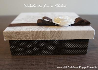 CAIXAS DE TECIDO PARA DOCES, COLEÇÃO TOILE DE JOUY, BIBELÔ DE LUXO ATELIÊ, CASAMENTO MARROM, OFF WHITE E FENDI COM POÁ www.bibelodeluxo.blogspot.com.br