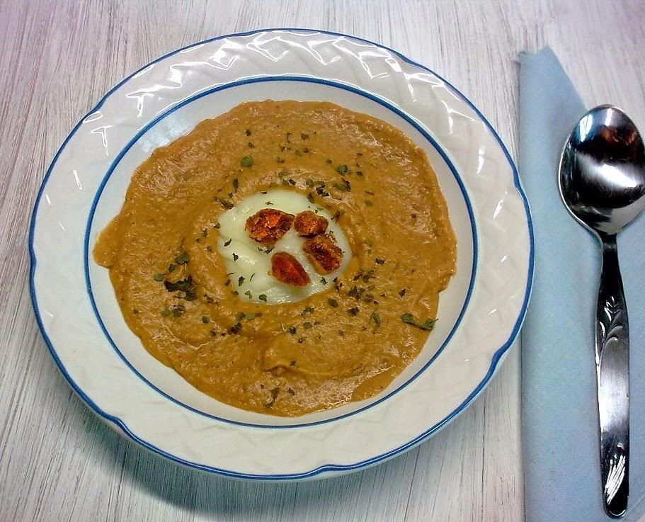 Crema de Lentejas con  Puré y Migas de Chorizo Vegano