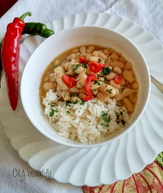 White Bean Chicken Chili. Find the recipe at www.diybeautify.com