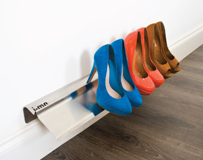 wall-mounted shoe rack for stilettos