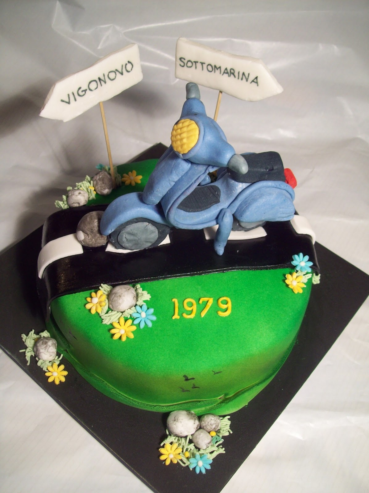Michela Cake Designer Torta Vespa
