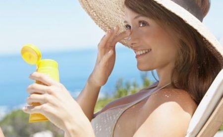 esposizione al sole, protezione solare, doposole, idratazione della pelle