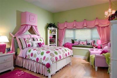 decoración de dormitorio en rosa y verde