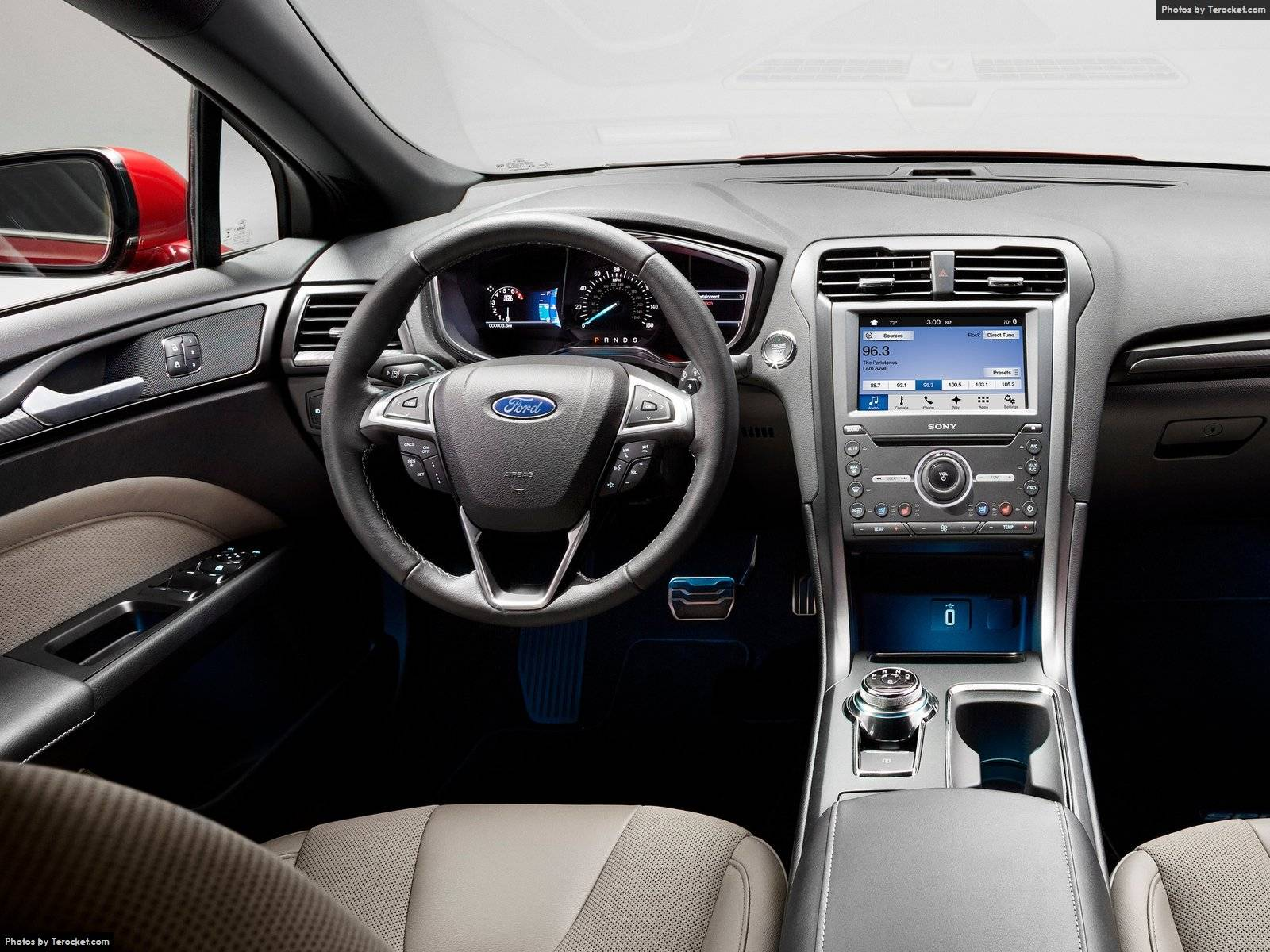 Những công nghệ thông minh nhất của Ford sẽ xuất hiện trên Ford Fusion V6 Sport 2017