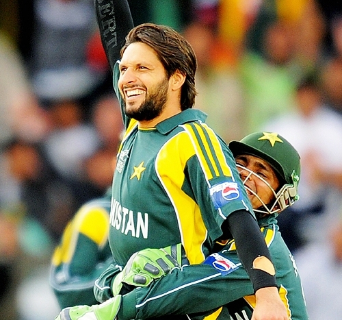 Pakistani Cricket Players SHAHID AFRIDI NEW PICTURES WALLPAPER