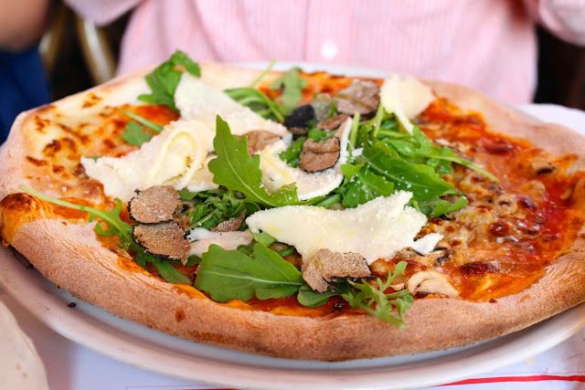 Lo Studente Holzofen Pizza | Munich