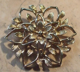 sarah coventry peta lure brooch jewelry
