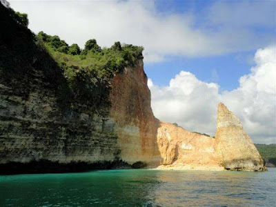 img 20120411080328 4f84d860edd02 Nusa Barong Island   Papuma Beach | Jember   East Java