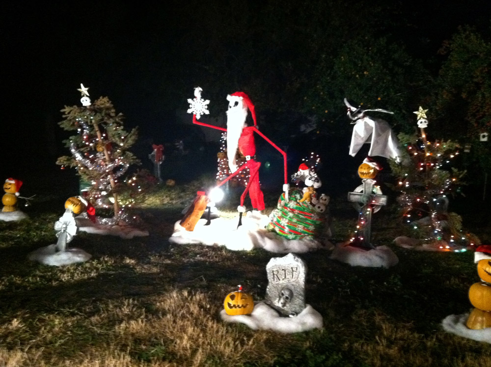 nightmare before christmas yard decorations - Nightmare Before Christmas Lawn Decorations
