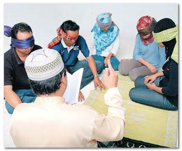 BAHASA ITU INDAH: ISU SOSIAL : Memerangi kumpulan ajaran sesat di
