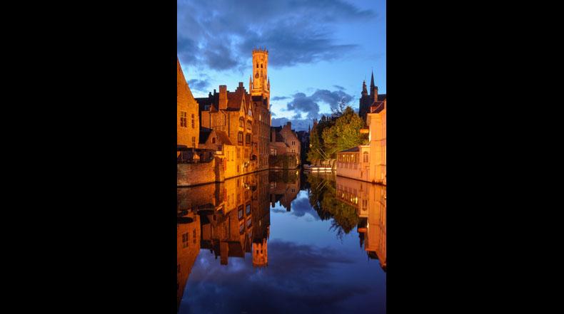Imagen del día: La hora azul en Brujas