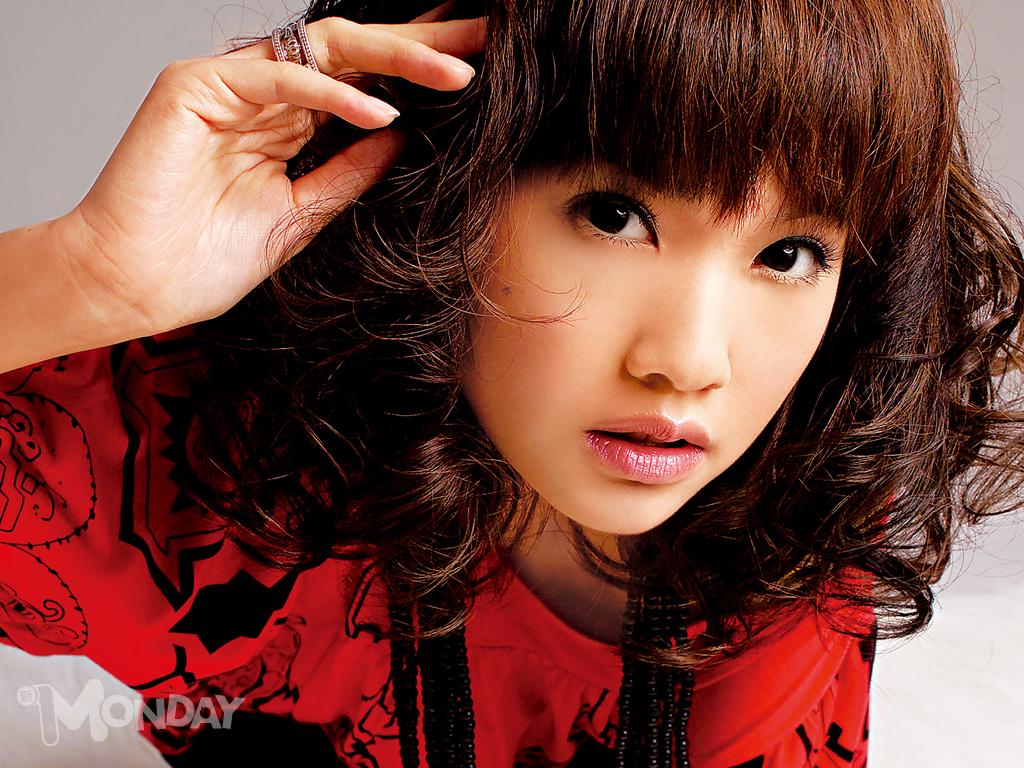 http://2.bp.blogspot.com/-xrvSRhLQyio/TkgYAF73l6I/AAAAAAAAAWU/d6H8Rq57g6I/s1600/Rainie+Yang-16.jpg