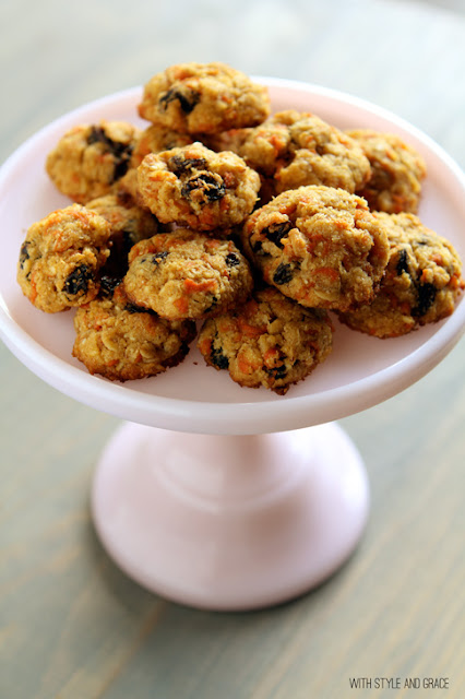 Healthy Carrot Cake Cookies and more of the best carrot cake recipes on MyNaturalFamily.com #carrotcake #recipe