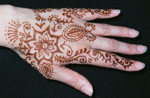 Tattoo Mehndi Tangan : Tattoo ideas for women delightful on woman s back