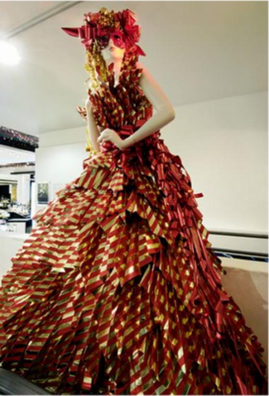 Grace La Fashionista Zoe Bradley Is A Sculptural Artist