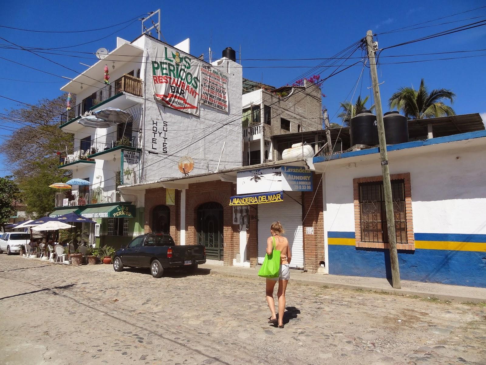 Los Pericos Restaurant