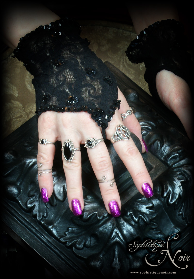 Sophistique Noir - Gothic Fashion for the Mature: February 1 Theme: Rings