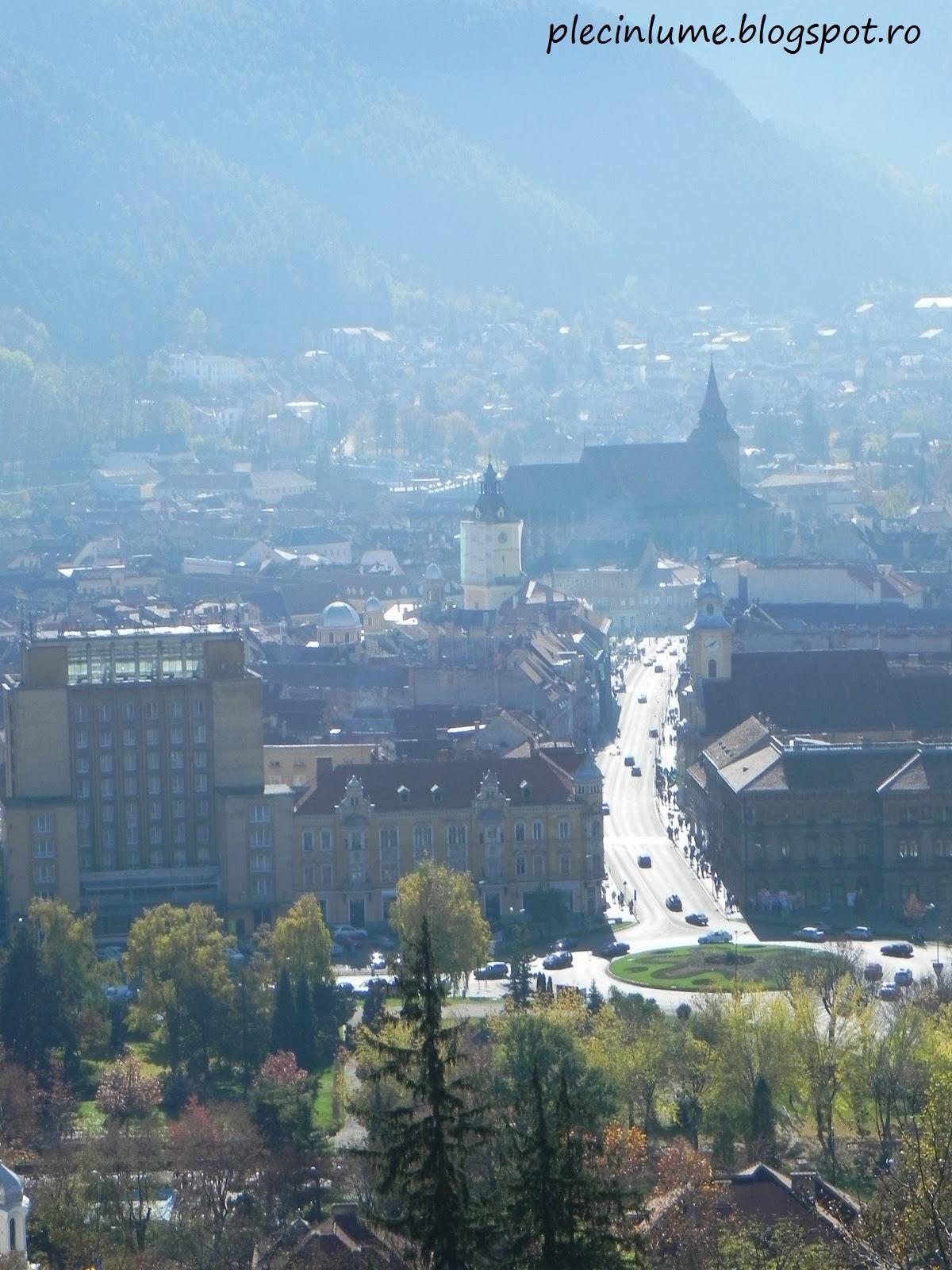 Biserica Neagra vazuta prin ceata