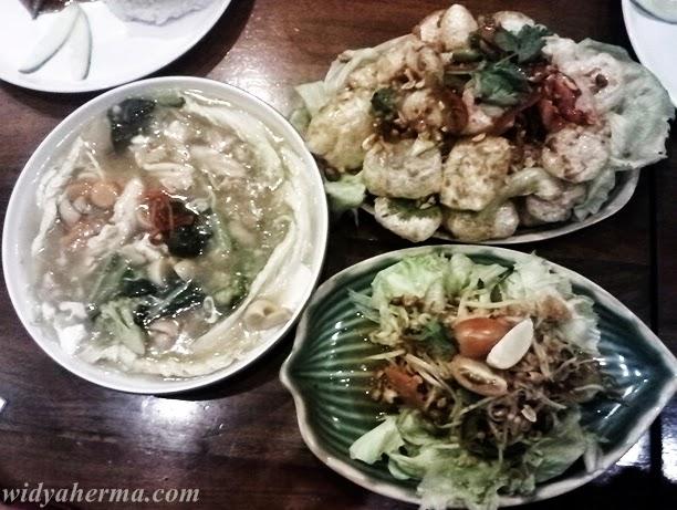 Makanan di Mamak Kitchen