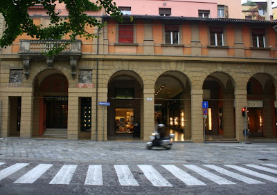 Galleria Cavour, Bologna, luxury shopping in Bologna, Galleria Bologna