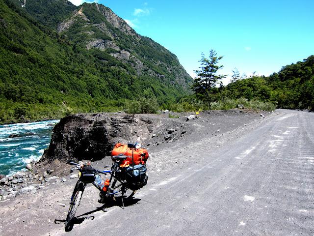 Leonardo - Brasileiro pedalando pela Patagônia