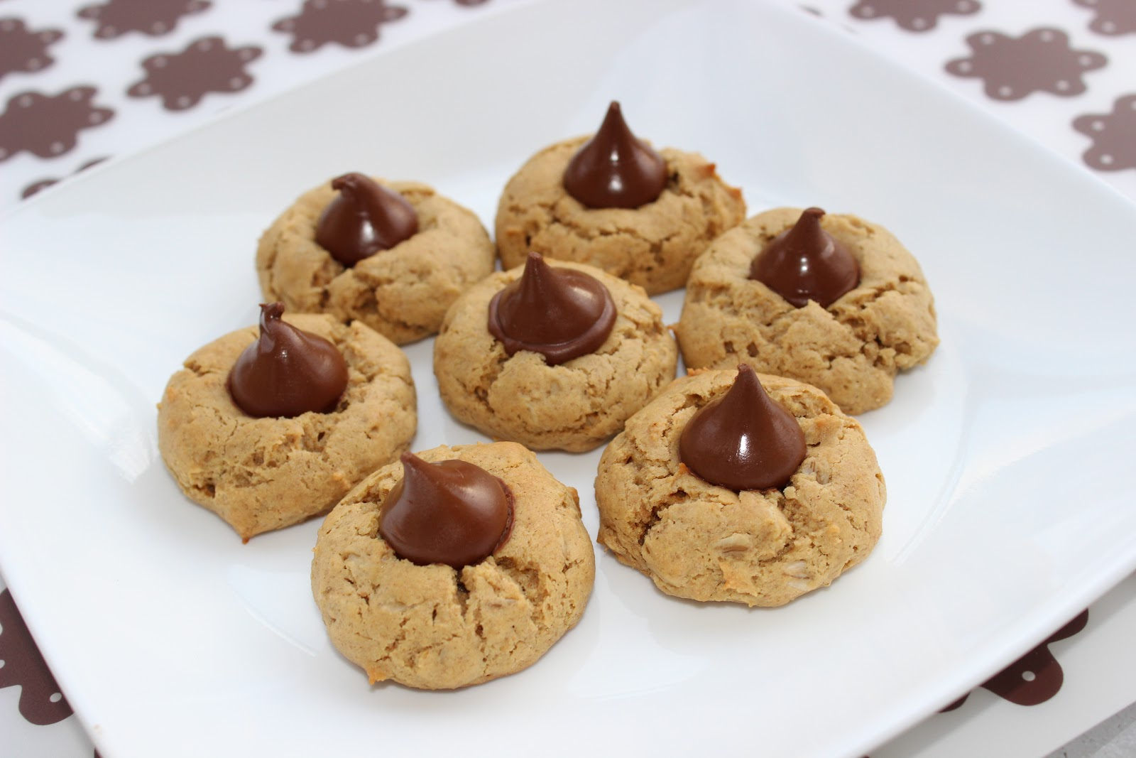 360FamilyNutrition: Reduced Fat Peanut Butter Kiss Cookies