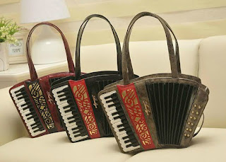 http://www.aliexpress.com/item/2015-women-s-accordion-handbag-summer-individuality-accordion-bag-fashion-style-bag-messenger-bag/32438010833.html