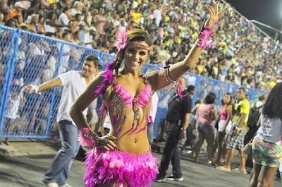 Fotos Renata Santos - Rainha de bateria Mangueira