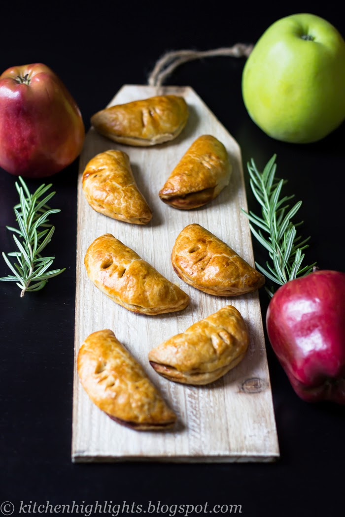 Apple and rosemary mini pies have an unexpectedly subtle herbal flavor that complement the sweetness of the apples beautifully