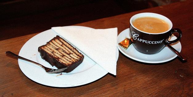 Thomas kaffeeklatsch kaffeekult in stralsund for Kuchen stralsund