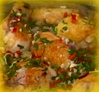 Estofado de pollo con cebollitas chinas