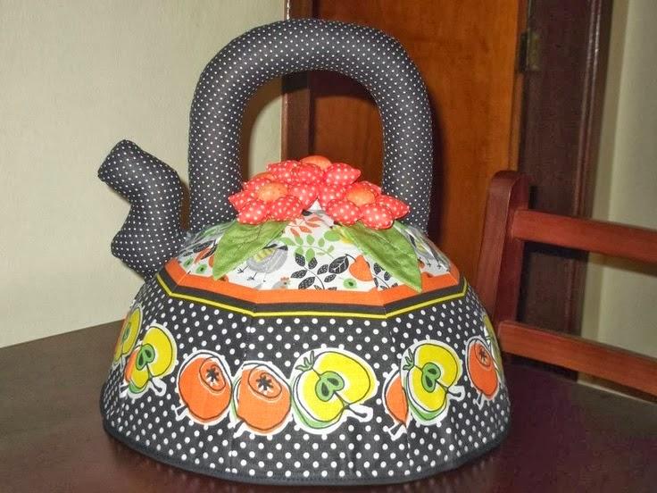 Moldes cobre bolo em formato de chaleira